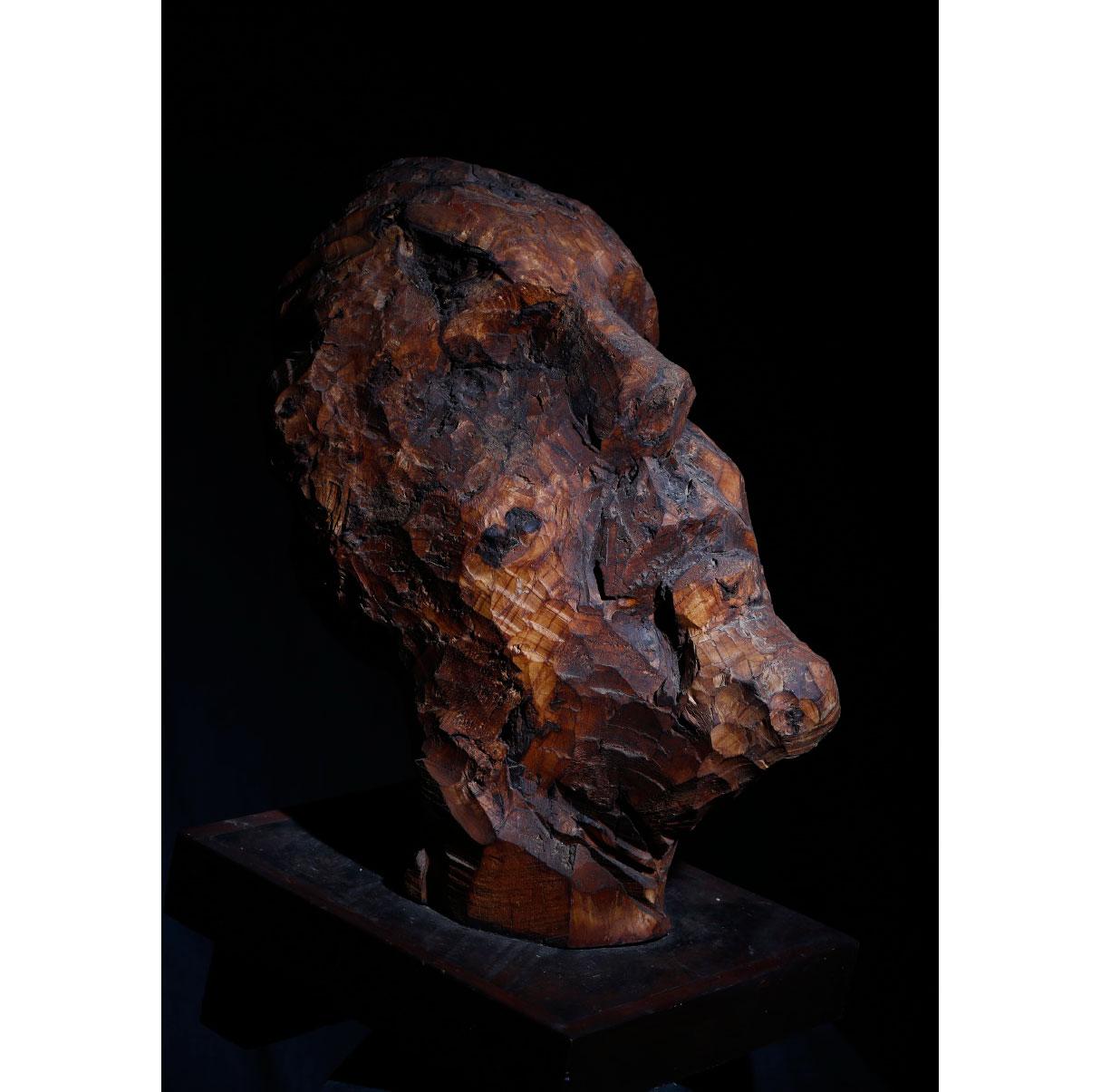 Thème visage, sculpture bois. Photo © P. Cibille
